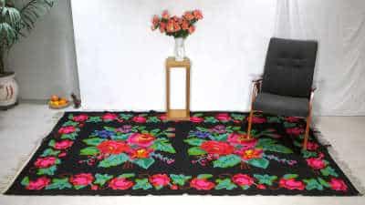 kilim-moldave-kilim-rug-with-roses