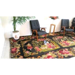 """Floral rug 200cm x 386cm/5'56""""x12'66"""""""