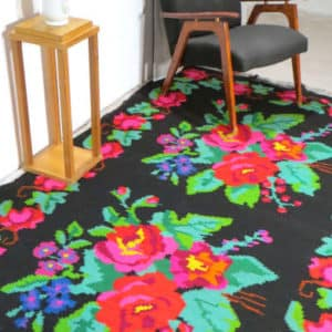 Floral rug 152cm x 261cm