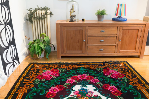 kilim rug with roses